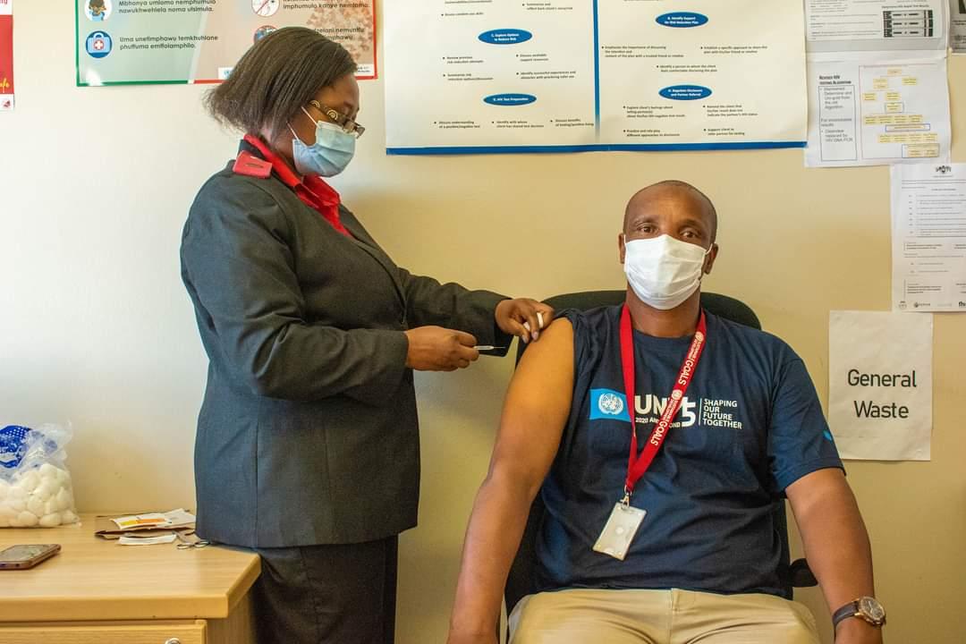 UN Personnel Are Vaccinated Against COVID-19